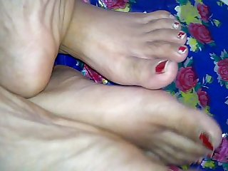 Indian couple Jeet & Pinki Bhabhi doing footsex